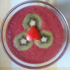 Jahodové smoothie s kiwi